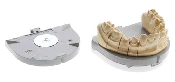 FormSTAR Sockelplatte L grau m. Haftscheibe,100St.